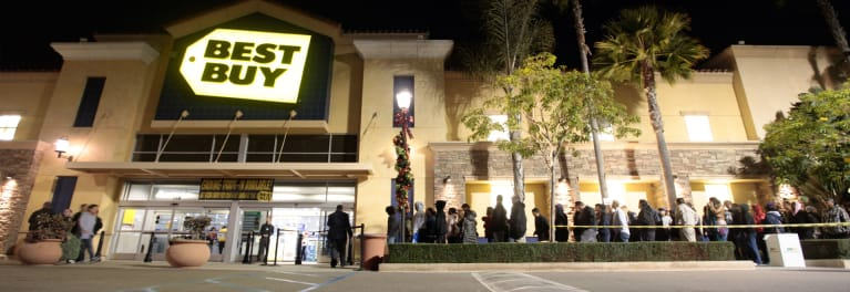 Photo of Best Buy store during Black Friday