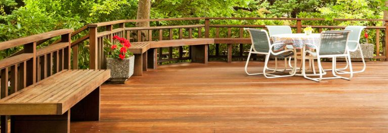 How to stain your deck so it looks like this one.