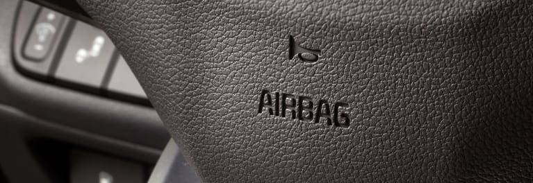 Many Automakers Too Slow in Fixing Recalled Takata Airbags, Report Says