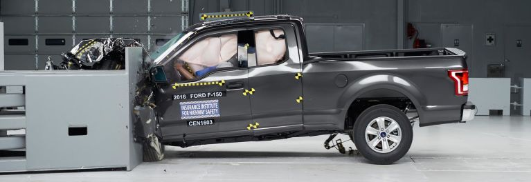 2016 Ford F-150 crash test