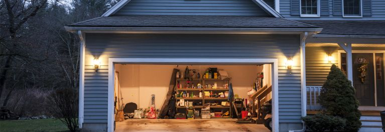 Consumer Reports explains how to find the right size generator when your lights go out.