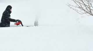 10 Snow Blower Features That Matter Consumer Reports