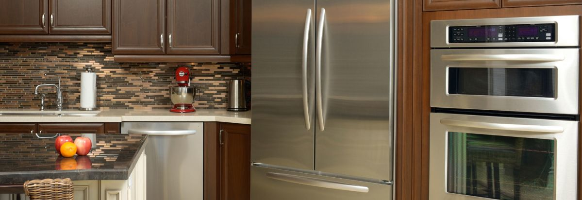 Superbe A French Door Refrigerator In A Full Kitchen Suite.