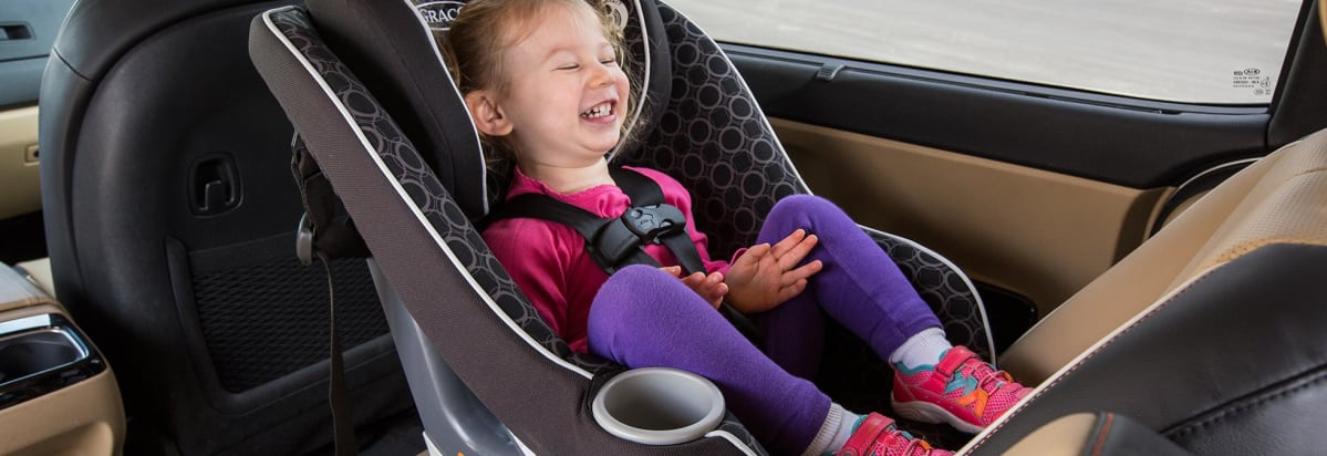 why kids should stay longer in rear facing car seats