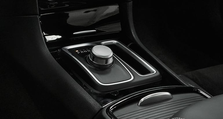 2017 Chrysler 300 shifter