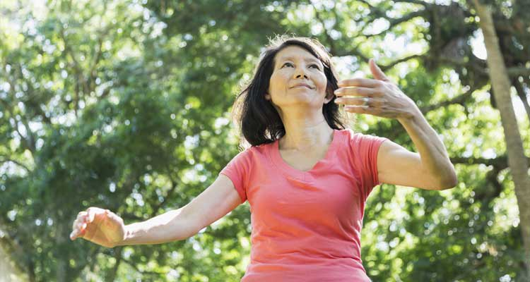 people doing tai chi for back pain