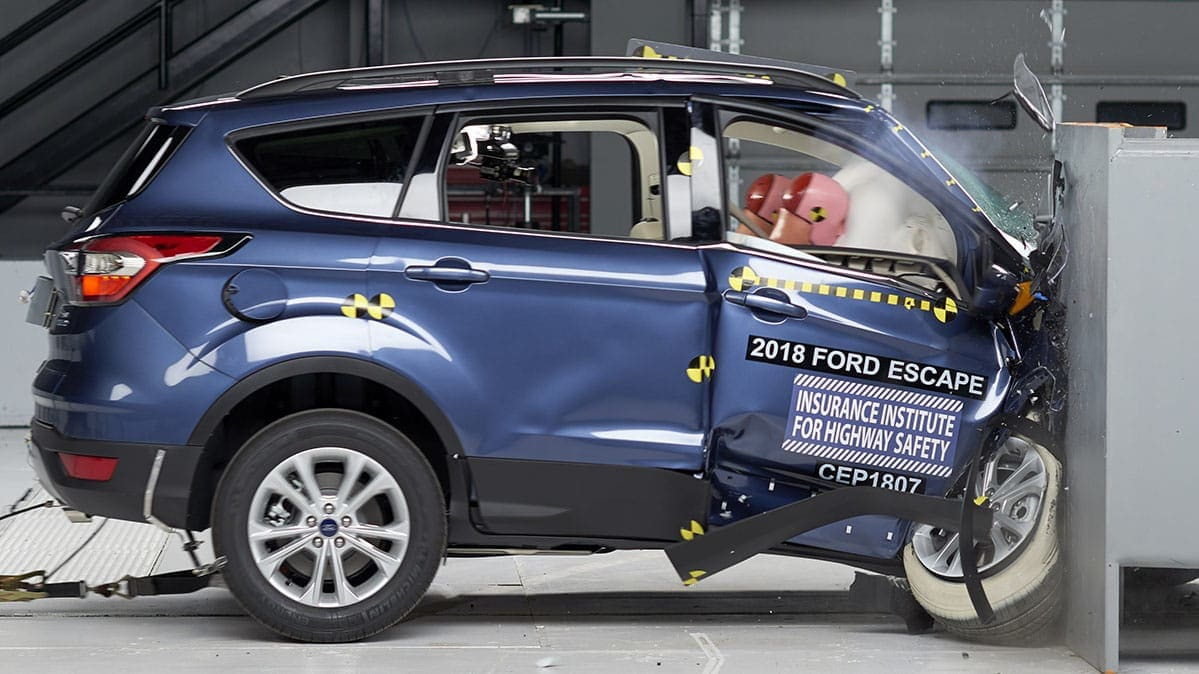 IIHS crash test Ford Escape