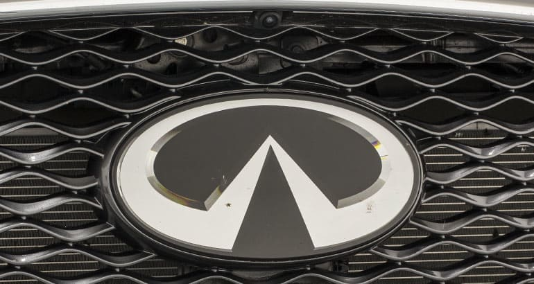 Dirty car sensors and cameras in Infiniti QX50 grille