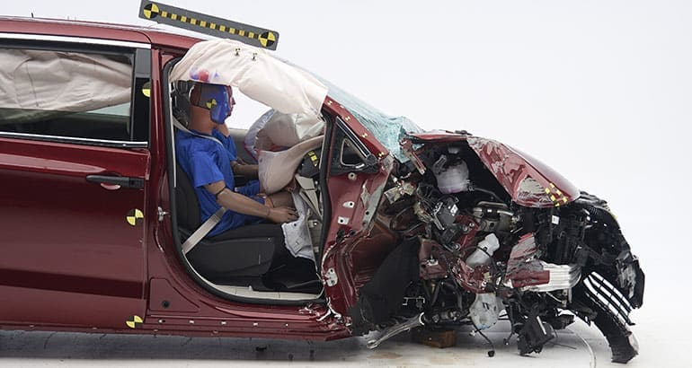 2018 Toyota Sienna IIHS crash-test results, passenger side.