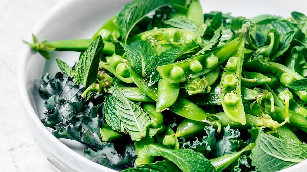 eating leafy greens may slow memory loss