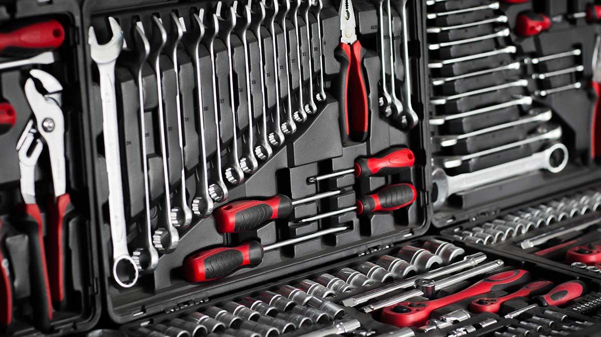 Black Friday Deals on Cordless Drills & Tool Kits - Consumer