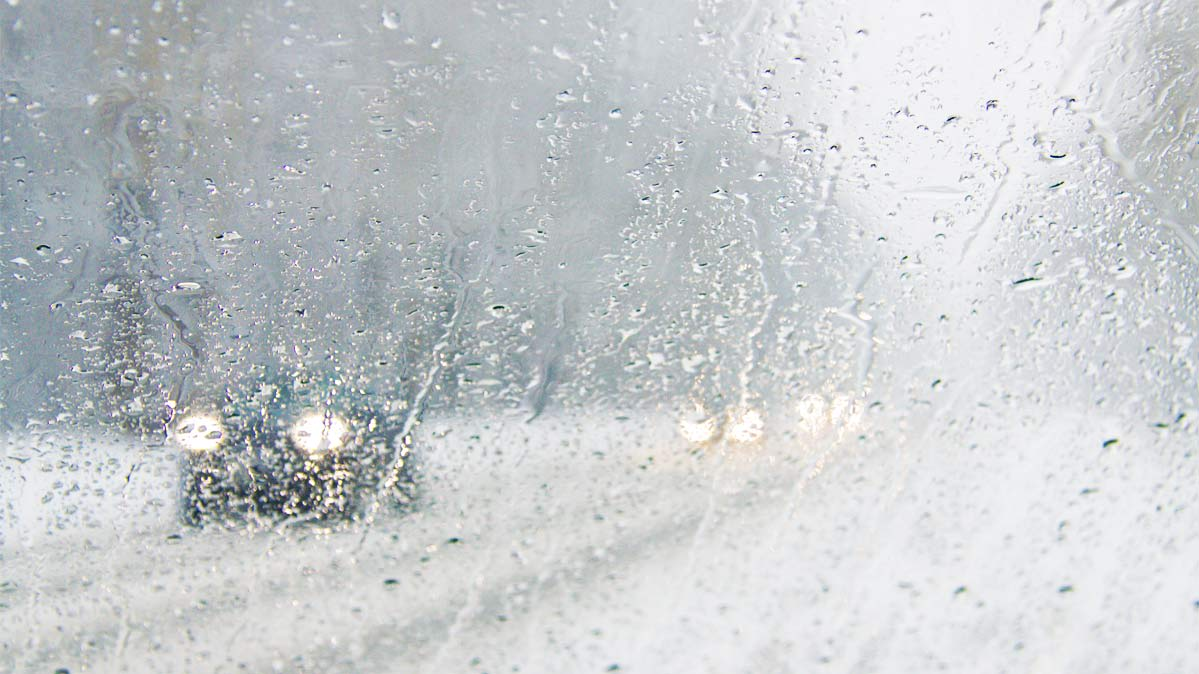 How to Clear Up a Foggy Car Windshield - Consumer Reports