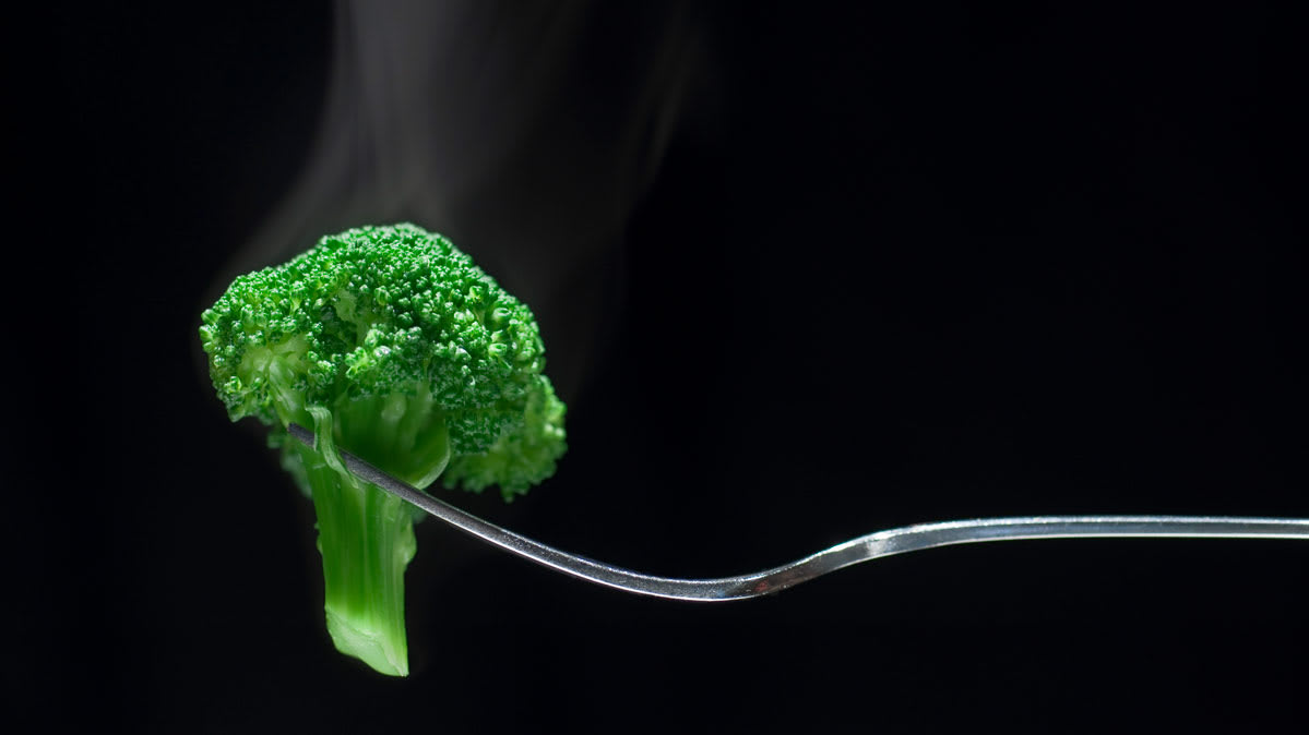 Is broccoli better in a microwave or a toaster oven?