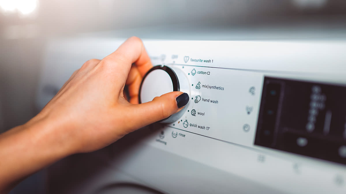 10 Ways to Save Energy Doing Laundry