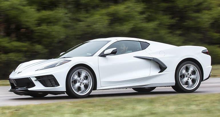 Midengine 2020 Chevrolet Corvette Stingray Impresses at the Consumer Reports Track