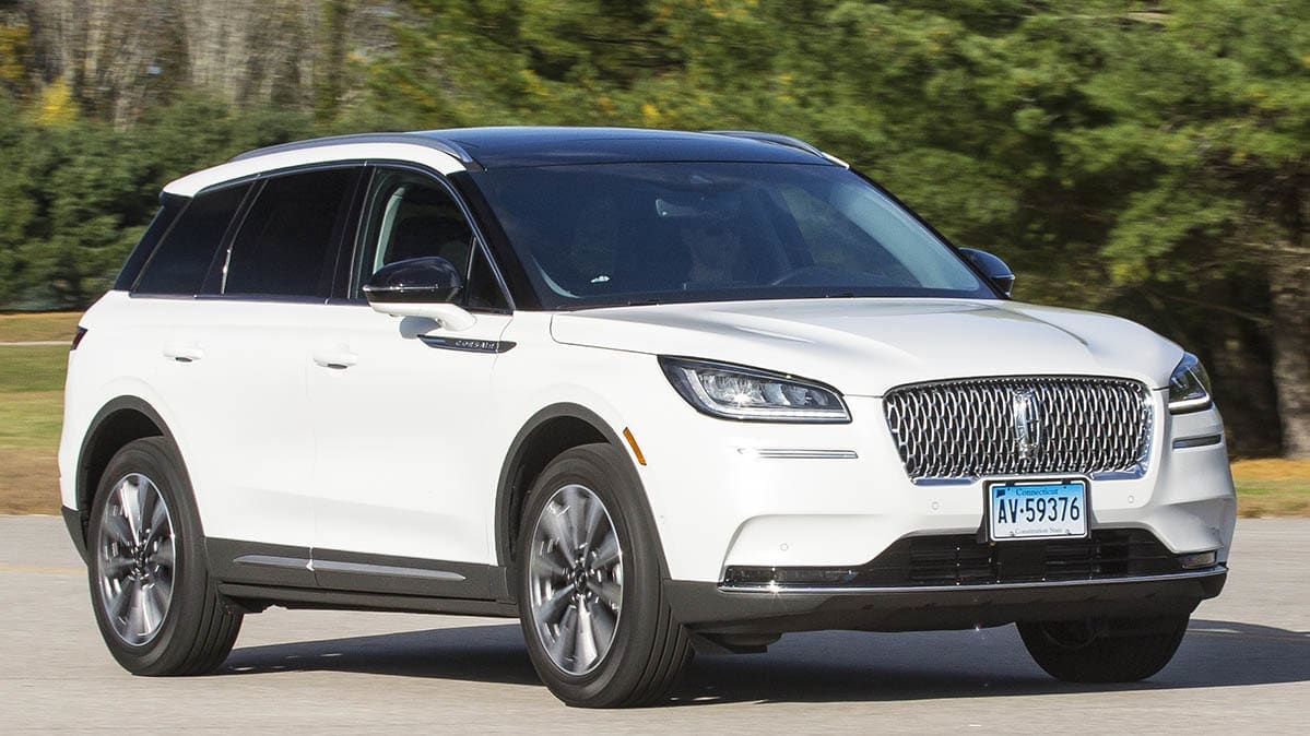 2020 Lincoln Corsair front three-quarters view