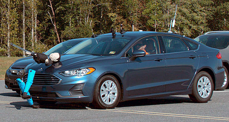 IIHS pedestrian detection test - Ford Fusion