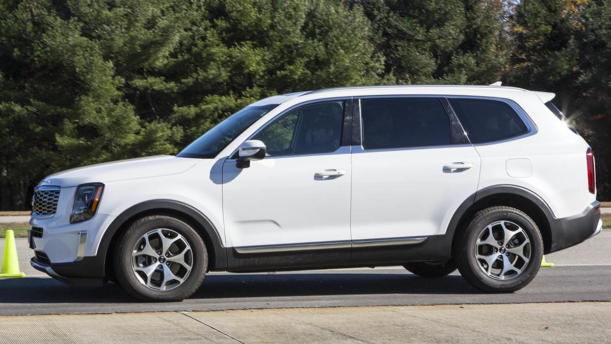 Best and worst braking distances includes the Kia Telluride