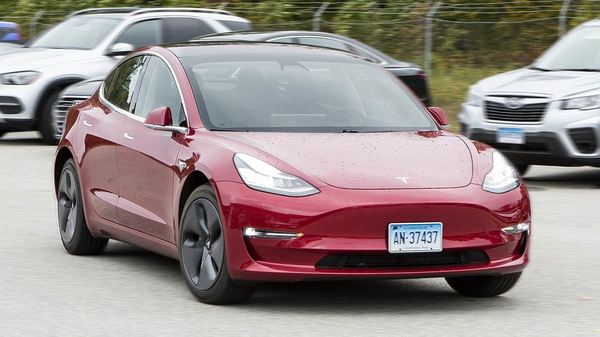 Tesla's Smart Summon Self-Driving Feature to Get Update
