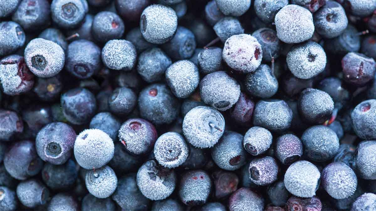Frozen blueberries are an example of a healthy frozen food.