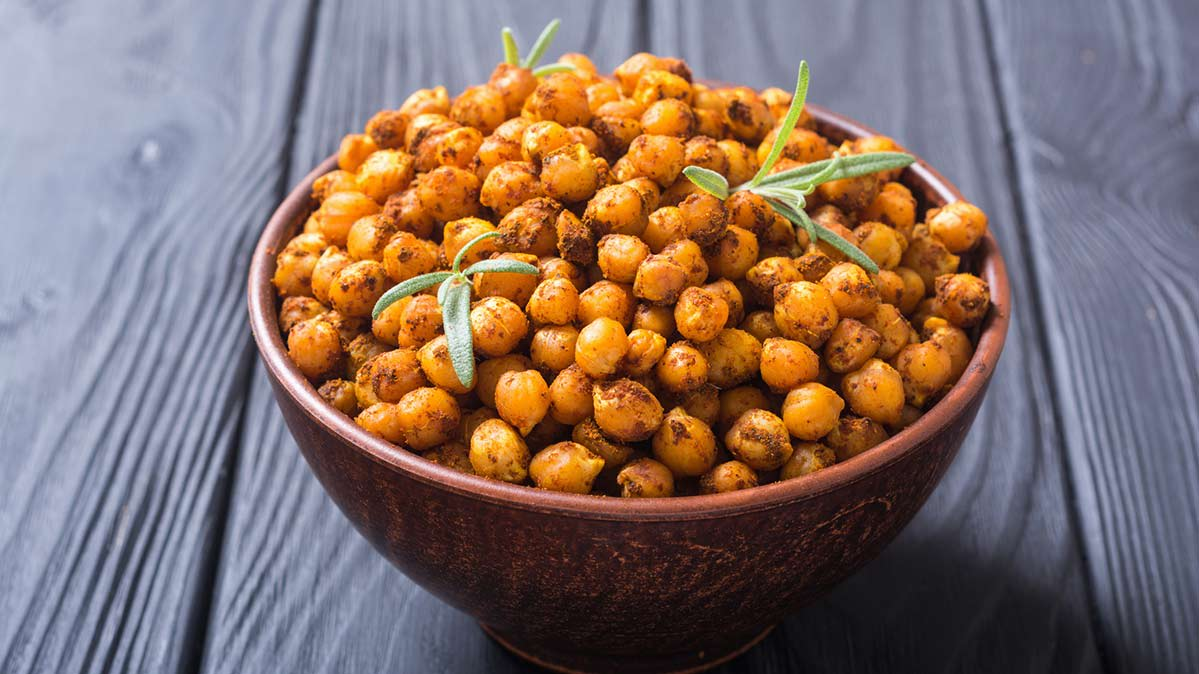 Snacking-time chickpeas recipe for air fryer.