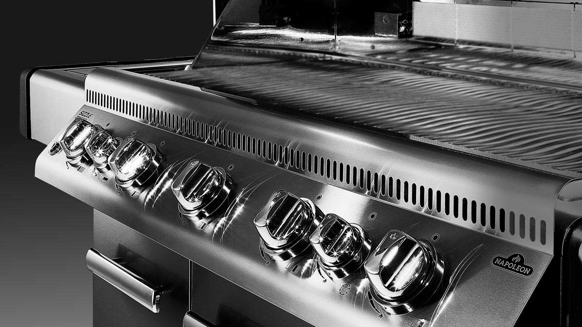 A Napoleon grill, one of the best grills for $1,000 and up