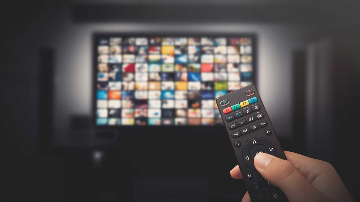Pros and Cons of Smart TV Systems