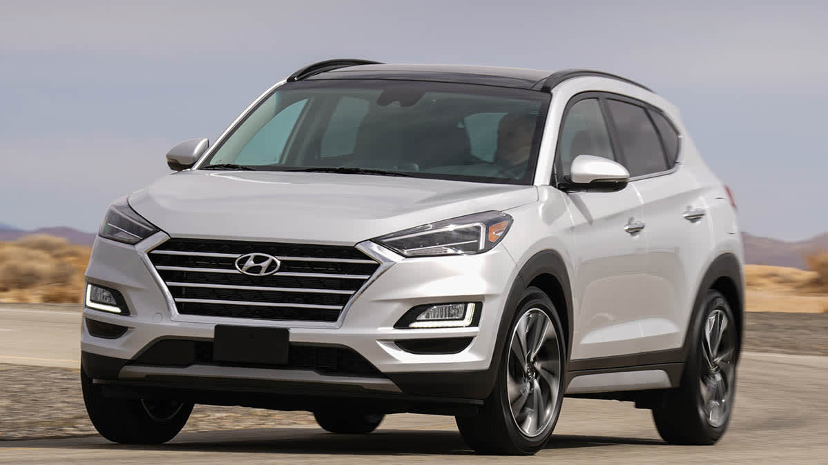 A front image of a silver 2019 Hyundai Tucson