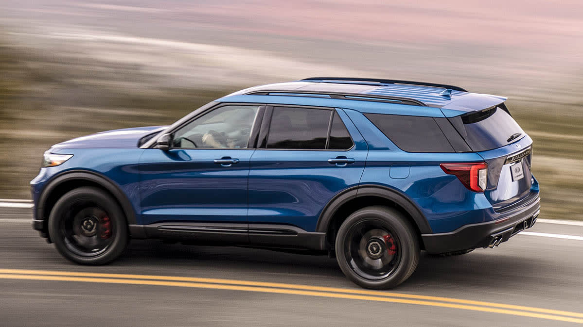 A side view of the 2020 Ford Explorer in blue