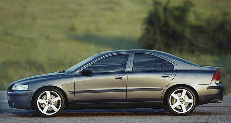 A 2001 Volvo S60 parked, side view