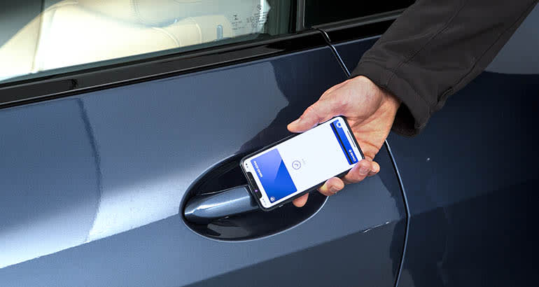 2021 BMW 440Xi with phone as key to unlock the door