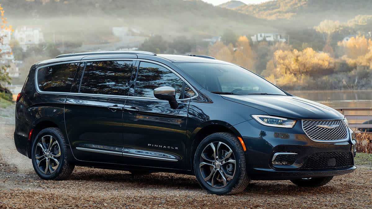 Updated 2021 Chrysler Pacifica Gains All-Wheel Drive