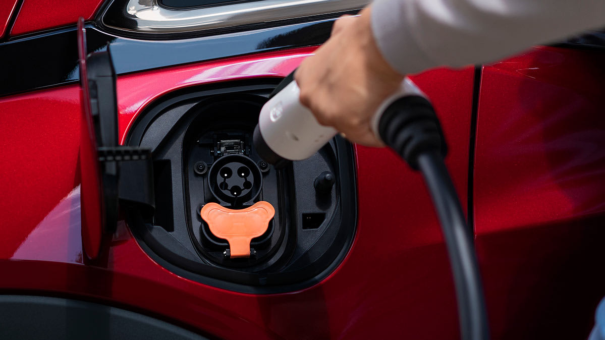 5 Electric Vehicles That Can Go More Than 250 Miles on a Charge