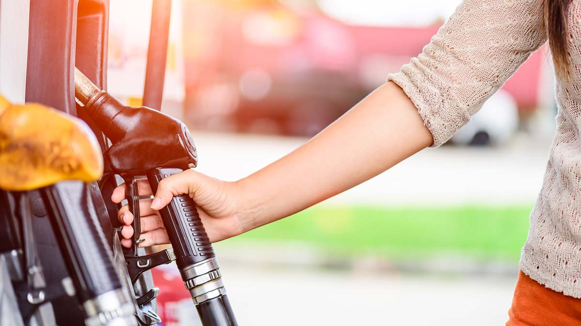 How to Protect Yourself Against Coronavirus When Pumping Gas