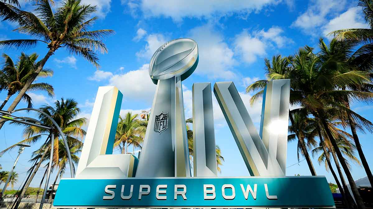 Bowl LIV logo in front of palm trees