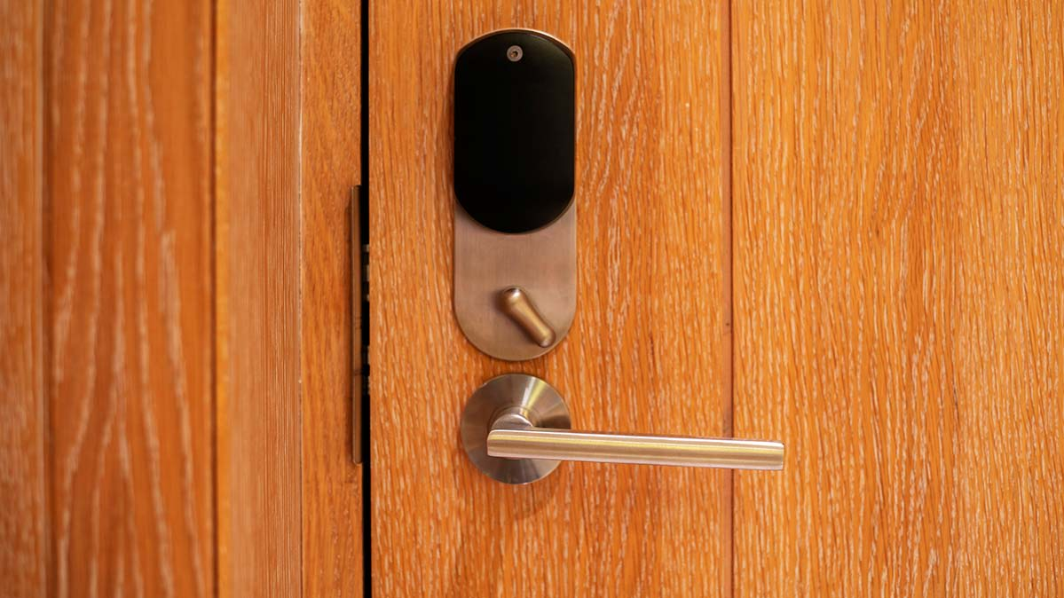 A lock and lever allows you to auto-unlock and open your front door hands-free.