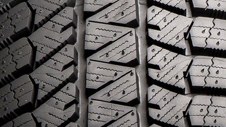 Winter/snow tire tread