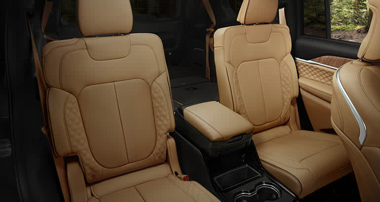 2021 Jeep Grand Cherokee L back seat
