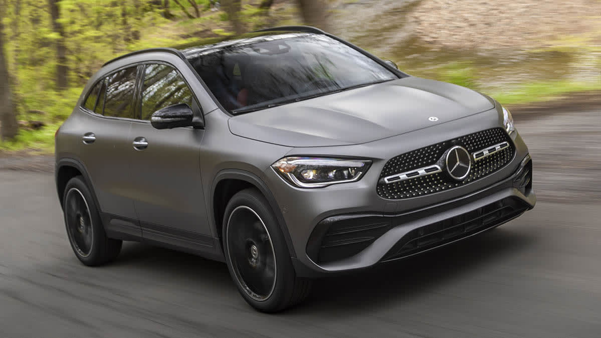 Mercedes-Benz recalls the GLA and others due to eCall concerns