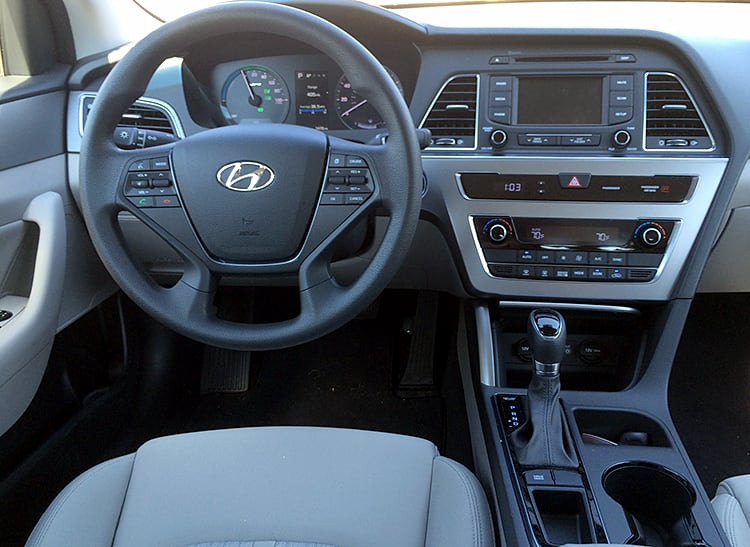 sonata hyundai hybrid interior slick proves efficient consumerreports cro cars