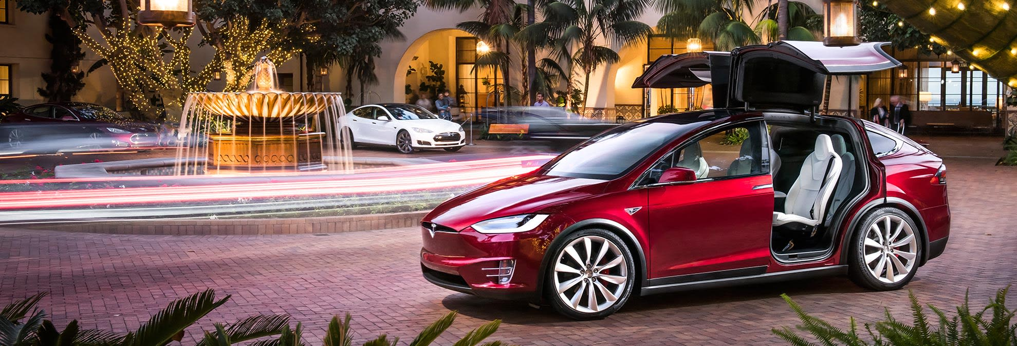 Early Build Tesla Model X Suvs Face Quality Issues