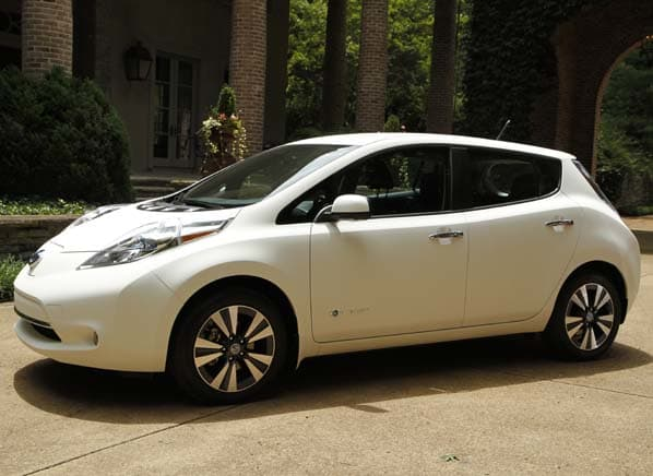 Nissan Leaf With Self-Cleaning Paint - Consumer Reports News