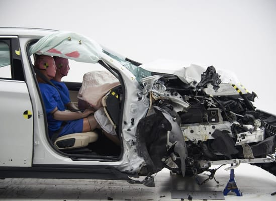 IIHS crash test BMW X1