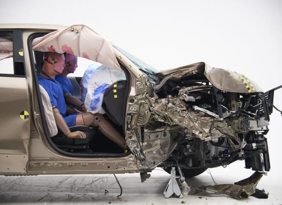 IIHS crash test Chevrolet Equinox