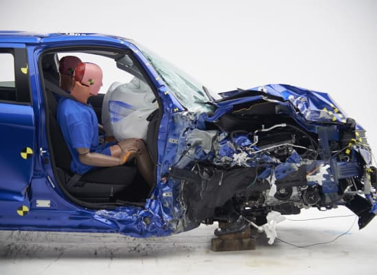 IIHS crash test Mitsubishi Outlander Sport