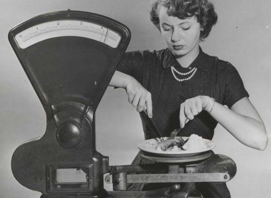 Plastic dishes, 1951