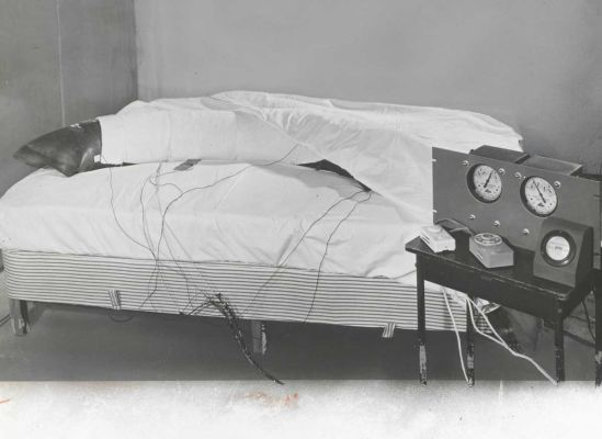 Electric blankets, 1954