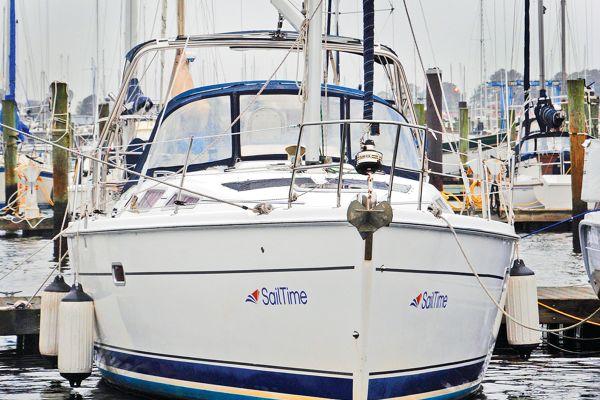 45 foot sailing yacht