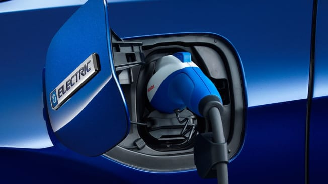 Honda Clarity EV plug