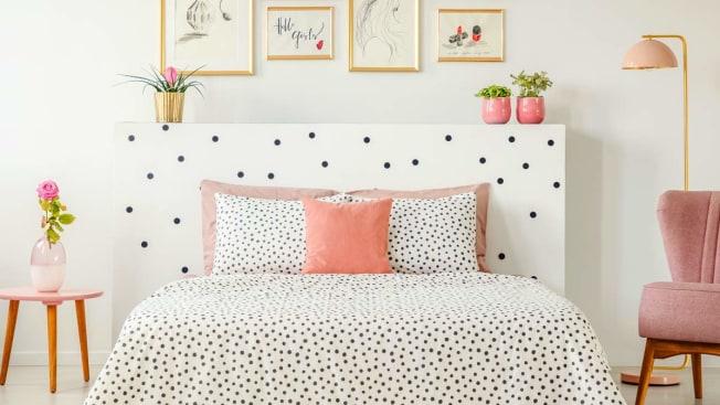 bedroom bed mattress